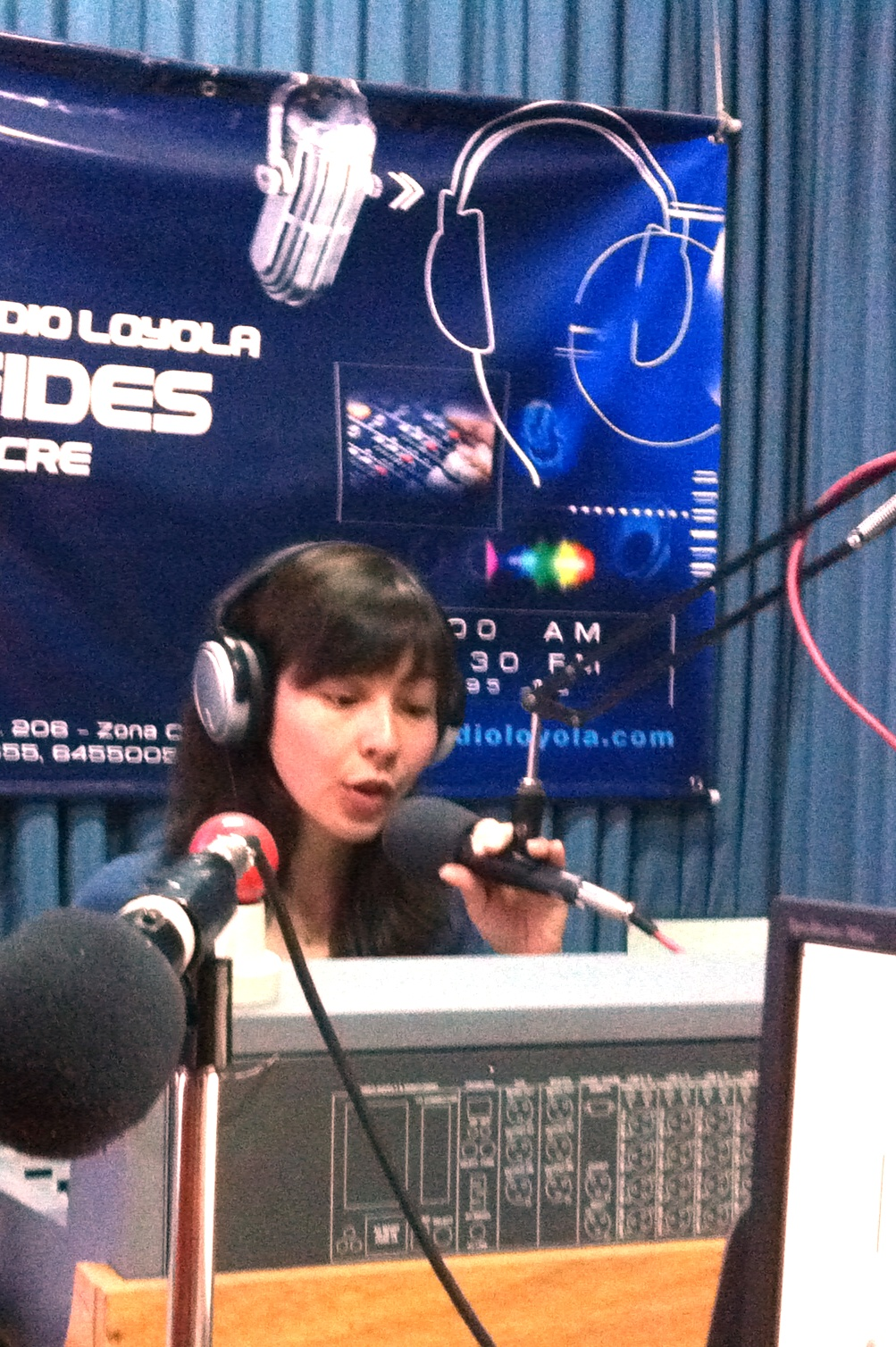 Crowley Fellow Aya Fujimura-Fanselow conducting a radio interview in Bolivia